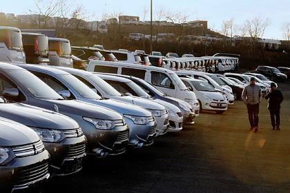 Россияне бросились скупать автомобили
