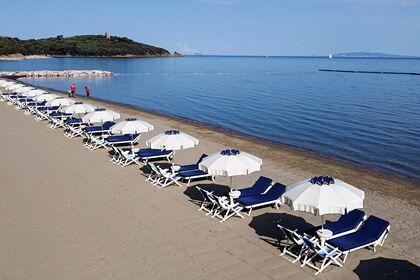 Туриста приговорили к штрафу в тысячу евро за попытку вывезти бутылку с песком