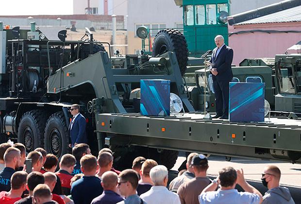 Посещение Минского завода колесных тягачей