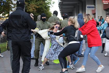 В Минске задержали участниц женской акции вподдержку Колесниковой