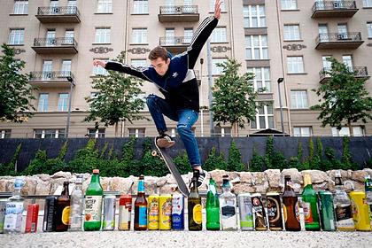 Минздрав заявил о необходимости повысить возраст продажи легкого алкоголя