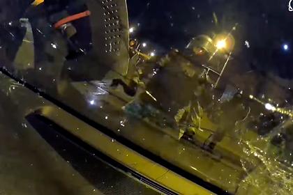 Нападение силовиков на машину белоруса попало на видео