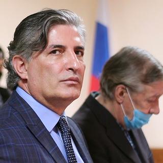 Эльман Пашаев