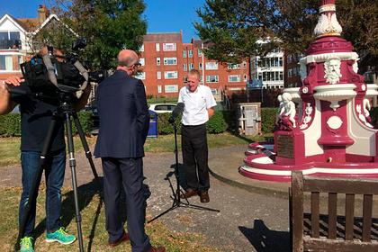 Пенсионер решил восстановить старинный фонтан и был обвинен в вандализме