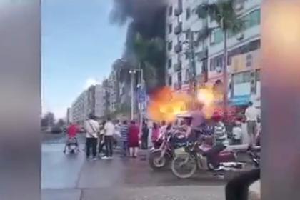 Момент взрыва рядом с отелем в Китае сняли на видео