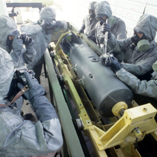 Подготовка к демонстрации технологии уничтожения химического боеприпаса, 1987 г.