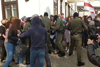 В Минске задержаны десятки участниц женского марша протеста