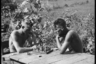 Немецкие солдаты играют в шахматы. Украина, июль 1941 года.
