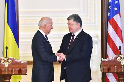 На Украине опубликовали очередные записи разговоров Байдена иПорошенко