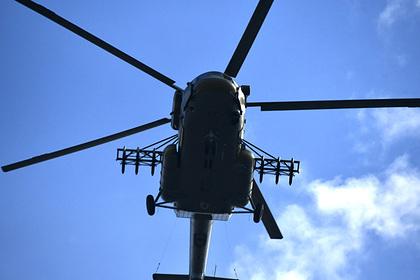 Вертолет Ми-8 аварийно сел в Магаданской области