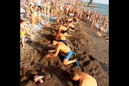 Россияне закопали жен на популярном курорте и попали на видео