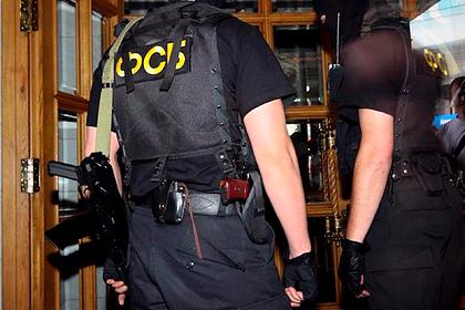 Сотрудники ФСБ задержали подполковника МВД иего подчиненных