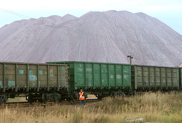 Состав возле шахты «Беларуськалия», Солигорск