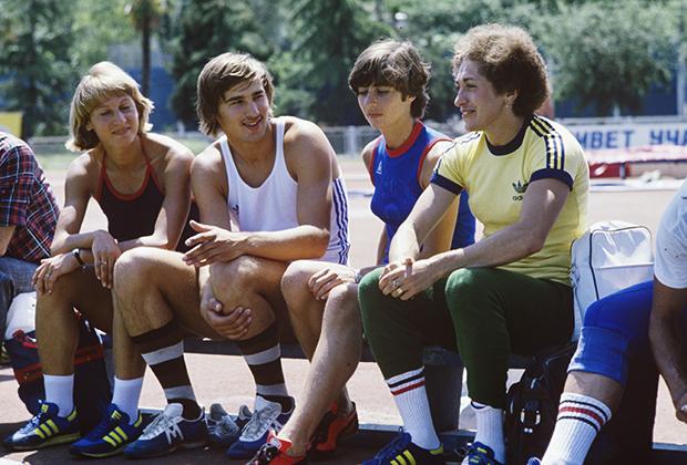 Андрей Прокофьев (второй слева)
