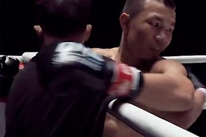 Кикбоксер нокаутировал соперника за шесть секунд