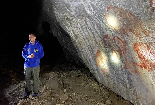 Копия рисунков эпохи палеолита в пещере Шульган-Таш