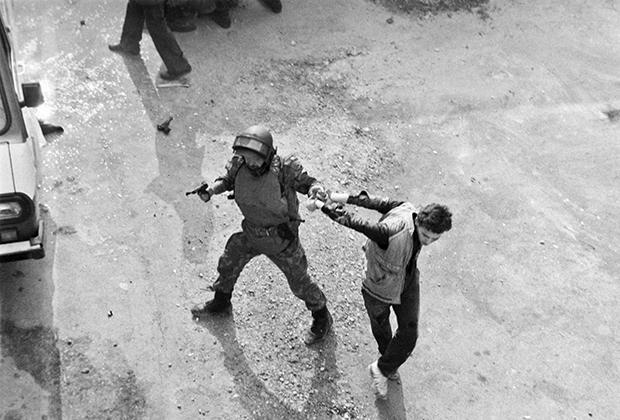 Захват одного из участников бунта в СИЗО Сухуми