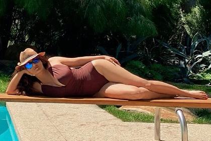 54-летняя Сальма Хайек снялась в купальнике и порадовала фанатов