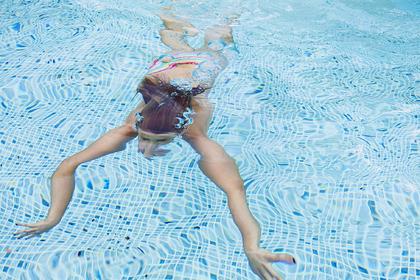 Российские дети отравились хлором в бассейне