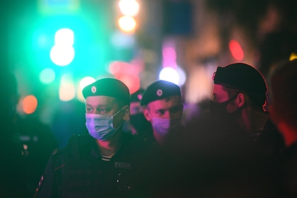Посетители караоке-клуба в Москве устроили стрельбу