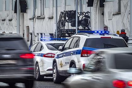 Голая россиянка напала на знакомого и выпала из окна 13-го этажа
