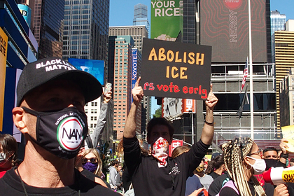 Власти США объявили Нью-Йорк городом анархии