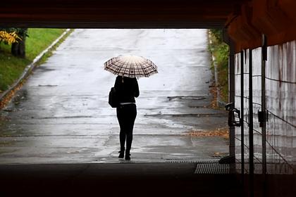 Россиянам объяснили бесполезность алкоголя при осенней депрессии