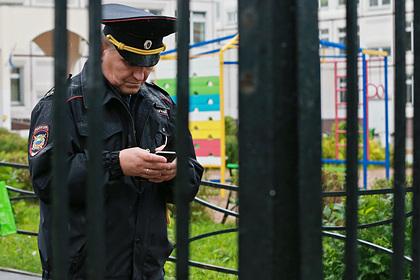 Россиянин поджидал и трогал девочек возле школы