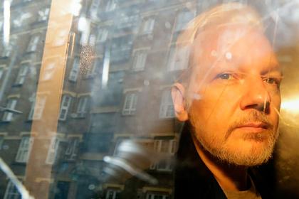 Раскрыто желание Ассанжа совершить суицид в случае экстрадиции в США