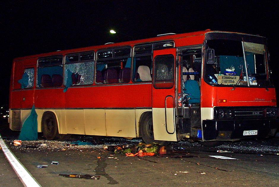 Автобус, захваченный террористами в районе Минеральных Вод