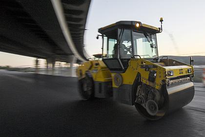 Путин призвал найти еще денег на строительство дорог