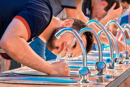 ВОЗ сравнила вред от воды из-под крана с вредом от сладких напитков