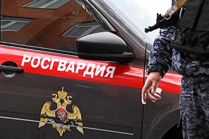 Спецназ Росгвардии по ошибке взломал дверь в квартиру матери российской актрисы