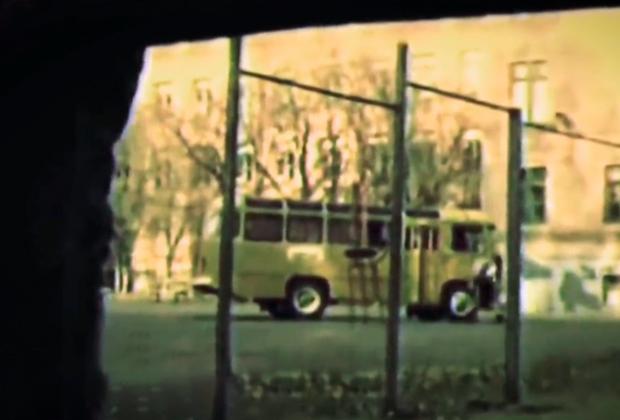 Автобус с террористами и заложниками за школой №25 в Ростове-на-Дону. 23 декабря 1993 года