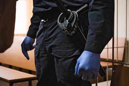 Спрятавшим втрубу убитую россиянку полицейским вынесли приговор
