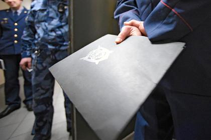 Офицер ФСИН подписывал документы за генерала ФСБ
