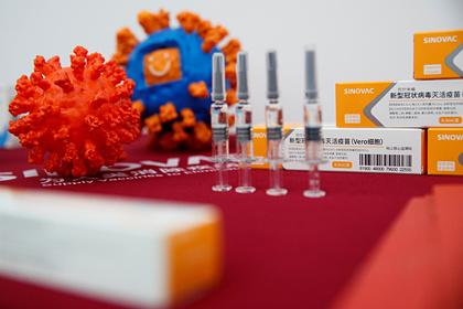 Создание эффективной на 100 процентов вакцины от COVID-19 признали невозможным