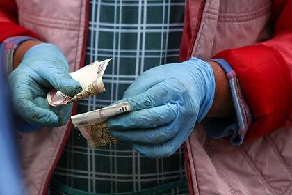 Каждый десятый россиянин перешел на «серую» зарплату