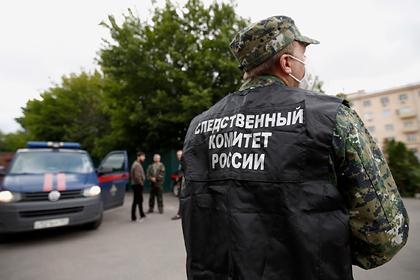 Россиянку задушили и выбросили из окна