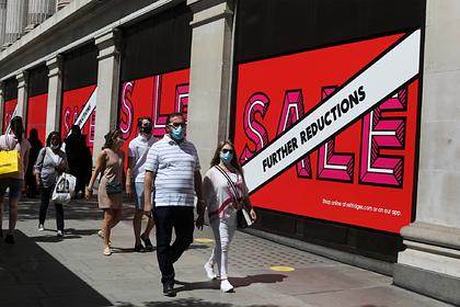 В британских магазинах заметили панику из-за усиления карантина