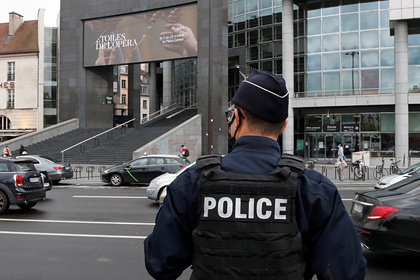 Во Франции назвали нападение у здания Charlie Hebdo терактом