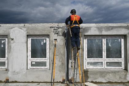Для российских сирот построили дом с шатающимися стенами