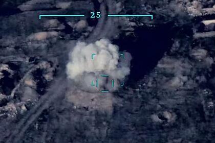Минобороны Азербайджана показало уничтожение боевой техники Армении