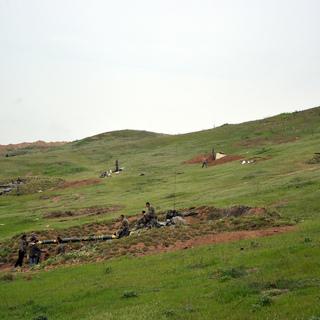 Военнослужащие армии обороны Нагорного Карабаха на первой линии обороны.