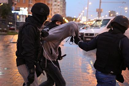 Белорусские правозащитники заявили о сотнях задержанных на акциях протеста