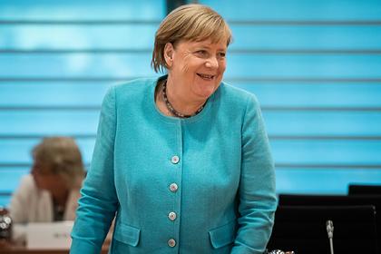 Германия отказалась считать встречу Меркель с Навальным тайной