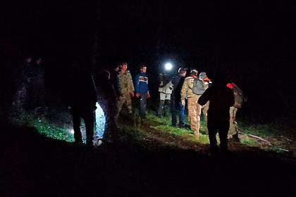 Волонтеры спасли заблудившихся россиянок от медведя с помощью туши коровы