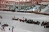27 марта 1968 года в расцвете сил погиб первый человек в космосе — Юрий Гагарин, что стало настоящей трагедией не только для советского народа, но и для жителей других стран, смотревших на него как на богоизбранного человека. 34-летний космонавт вместе с летчиком-испытателем Владимиром Серегиным разбился, выполняя тренировочный полет на самолете МиГ. <br> <br> Мусаэльян с коллегой из ТАСС снимали похороны Гагарина, с которым прощались как с настоящим героем мирового масштаба. Поток желавших проститься с космонавтом не иссякал, многие занимали места в очереди к его праху с ночи.