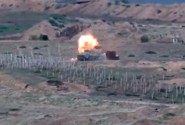 Уничтожение БТР вооруженных сил Азербайджана