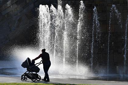 Почти половина россиян не хотят заводить детей